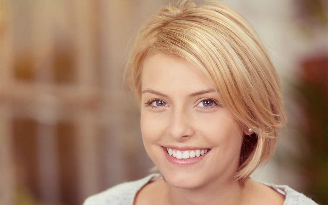 Veneers vs Implants – What's The Difference